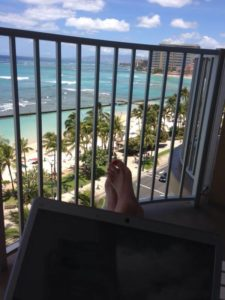 blogging by the beach hawaii tektrunk